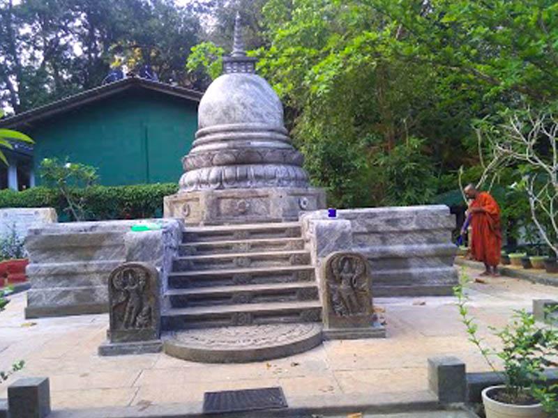 Na Uyana Aranya Senasanaya 3- Village Tour Sri Lanka